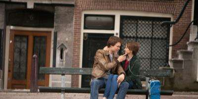 222935_01_TheFaultinOurStars_Bench_01.jpg