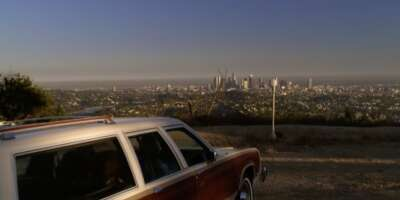 1421_04_ModernFamily_GriffithPark_01.png