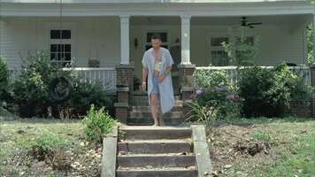 1402_02_TheWalkingDead_House_01.jpg