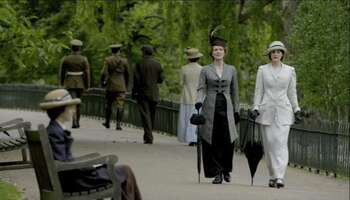 33907_77_DowntonAbbey_StJamesPark_01.jpg