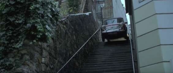2577_the bourne identity_passage plantin (stairs)_1.png