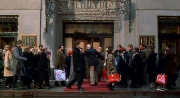2763_miracle on 34th street_burnham center_1.jpg