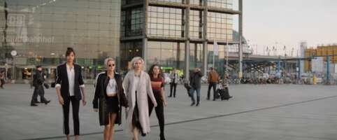 3484_charlie's angels_berlin central station_berlin hauptbahnhof_0.png