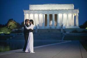 4090_wonder woman 1984_lincoln memorial - reflecting pool_0.jpg