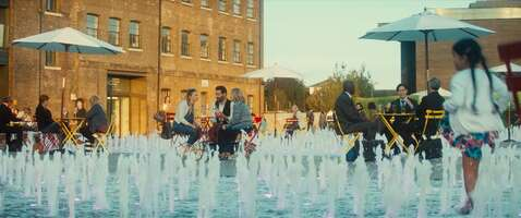 4163_bridget jones' baby_granary square - fountains_1.jpg