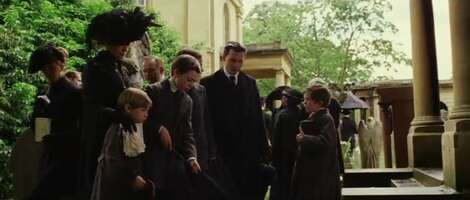 886_03_FindingNeverland_BromptonCemetery_01.png