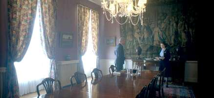 65494_51_TheCrown_ClarenceHouse_The Dining Room_01.jpg