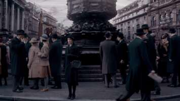 33907_66_DowntonAbbey_PiccadillyCircus_01.png