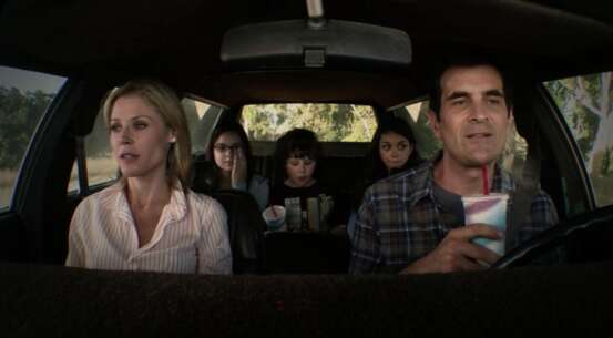 Still 1421_04_ModernFamily_GriffithPark_02.png