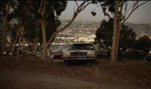 Still 1421_04_ModernFamily_GriffithPark_05.png