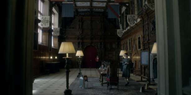 Still 65494_05_TheCrown_AudleyEndHouse_01.png