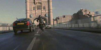 1995_03_LaraCroftTombRainder_TowerBridge_01.jpg