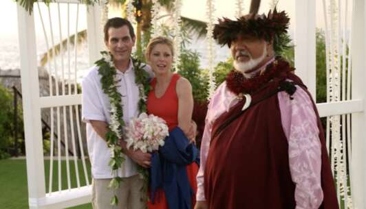 Still 1421_07_ModernFamily_FourSeasons_06.png