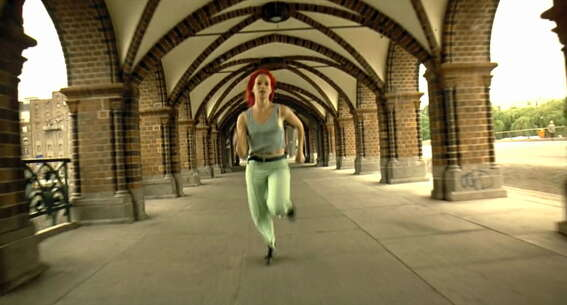 Still 2223_run lola run_oberbaum bridge_1.jpg