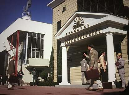 Still l-2570_the truman show_near 302 w ruskin street_2.jpg