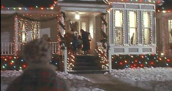 Still 2699_home alone_306 laurel avenue (house)_1.png