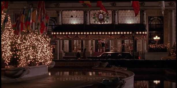 Still 2767_home alone 2_ lost in new york_the plaza hotel_6.png