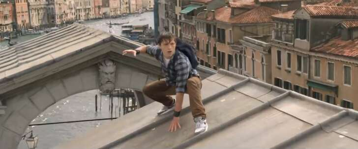 Still 2909_spider-man_ far from home_rialto bridge_2.png