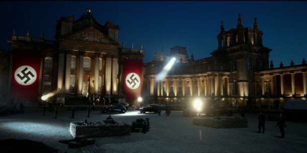 Still 3078_transformers_ the last knight_blenheim palace - the courtyard_0.png