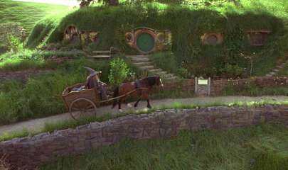 Still 3131_the lord of the rings_ the fellowship of the ring_hobbiton_0.jpg