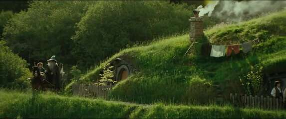Still 3131_the lord of the rings_ the fellowship of the ring_hobbiton_1.jpg