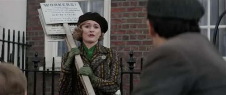 Still 3390_mary poppins returns_cowley street_1.png