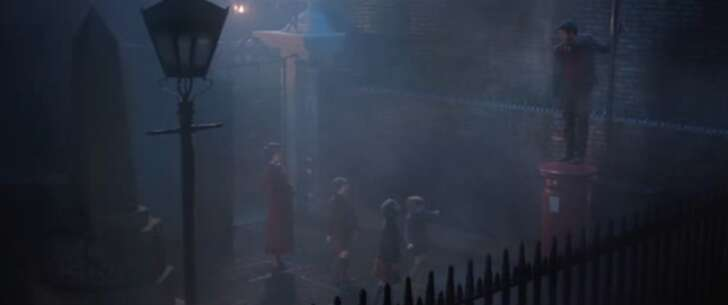 Still 3401_mary poppins returns_devereux court (gate)_4.png