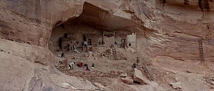 Still 3892_once upon a time in the west_mystery valley_0.jpg