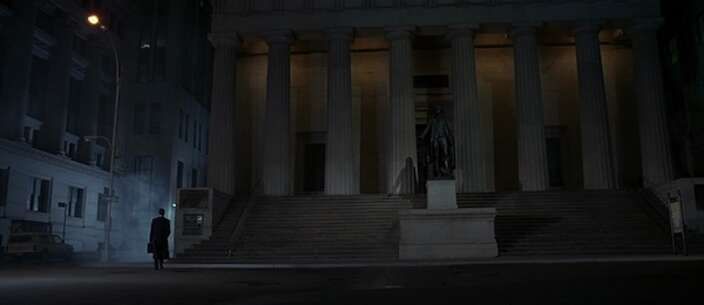 Still 4100_american psycho_wall street - federal hall_0.jpg