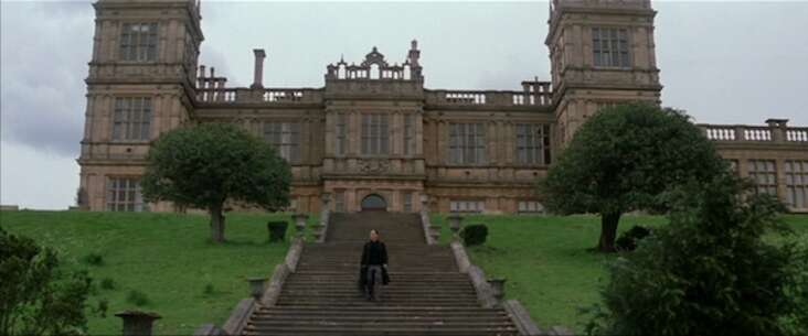 Still 4239_batman begins_mentmore towers_0.jpg