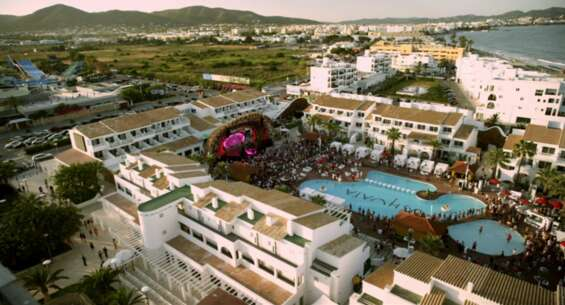 Still 4367_verliefd op ibiza_ushuaia club_2.png