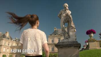 Media 4504_emily in paris_jardin du luxembourg_1.png