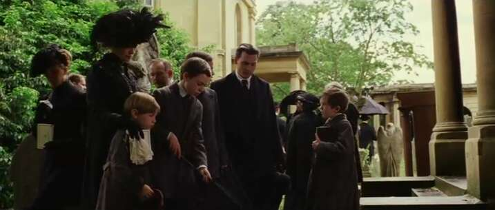 Still 886_03_FindingNeverland_BromptonCemetery_01.png