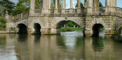 Media 4701_bridgerton_wilton house - palladian bridge_0.png