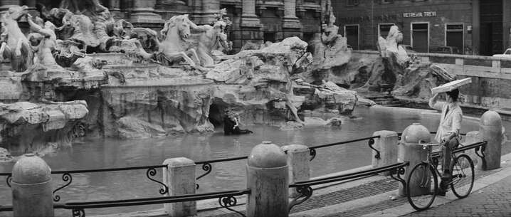 Still 439_01_LaDolceVita_Trevi Fountain_03.jpg