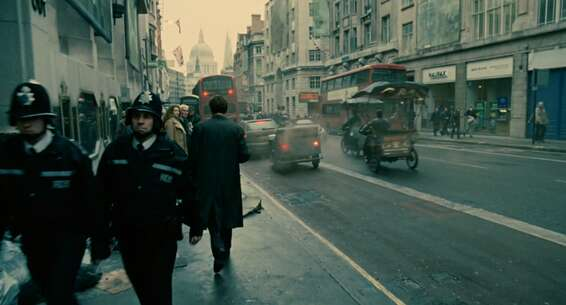 Still 9693_02_ChildrenofMen_FleetStreet_01.png